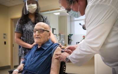 Oldest Veteran in Canada, 107, Receives Second Dose of the COVID-19 Vaccine