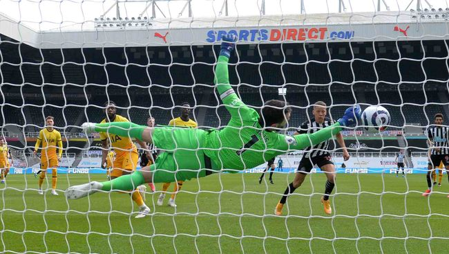 Hugo Lloris' double save from Newcastle's Dwight Gayle was evidence of the Frenchman at his best