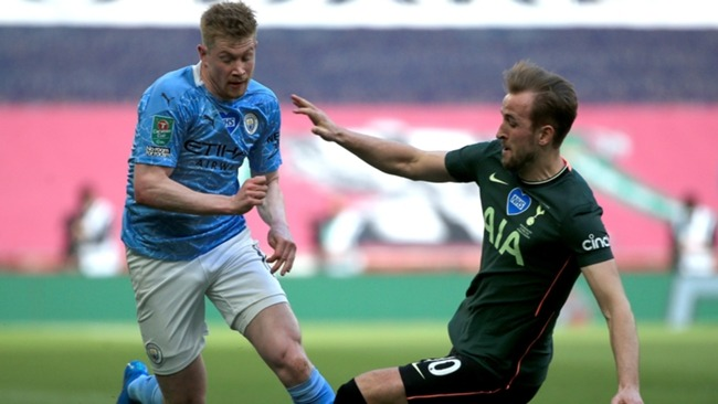 Kevin De Bruyne and Harry Kane during the EFL Cup final