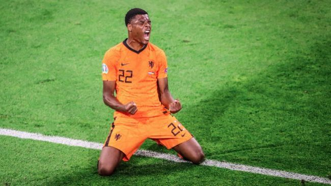 Everton and Inter Milan are set to fight it out for Dutch Euro 2020 sensation Denzel Dumfries