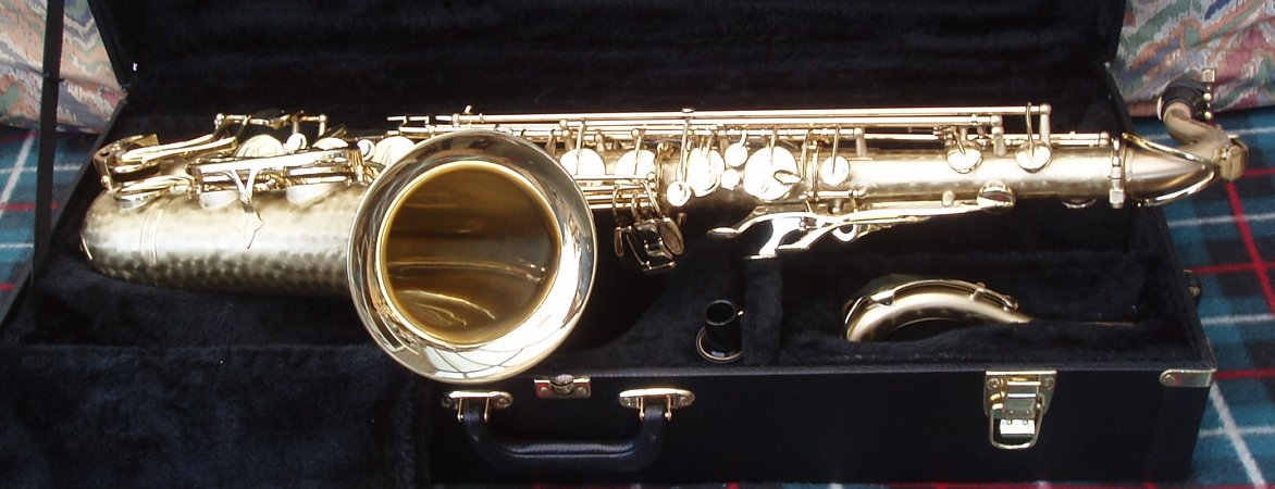 Click here for a review of the Orpheo Pro 301BB Tenor Sax...