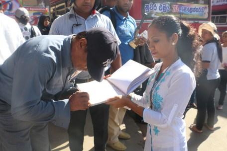 Signature campaign in Badulla