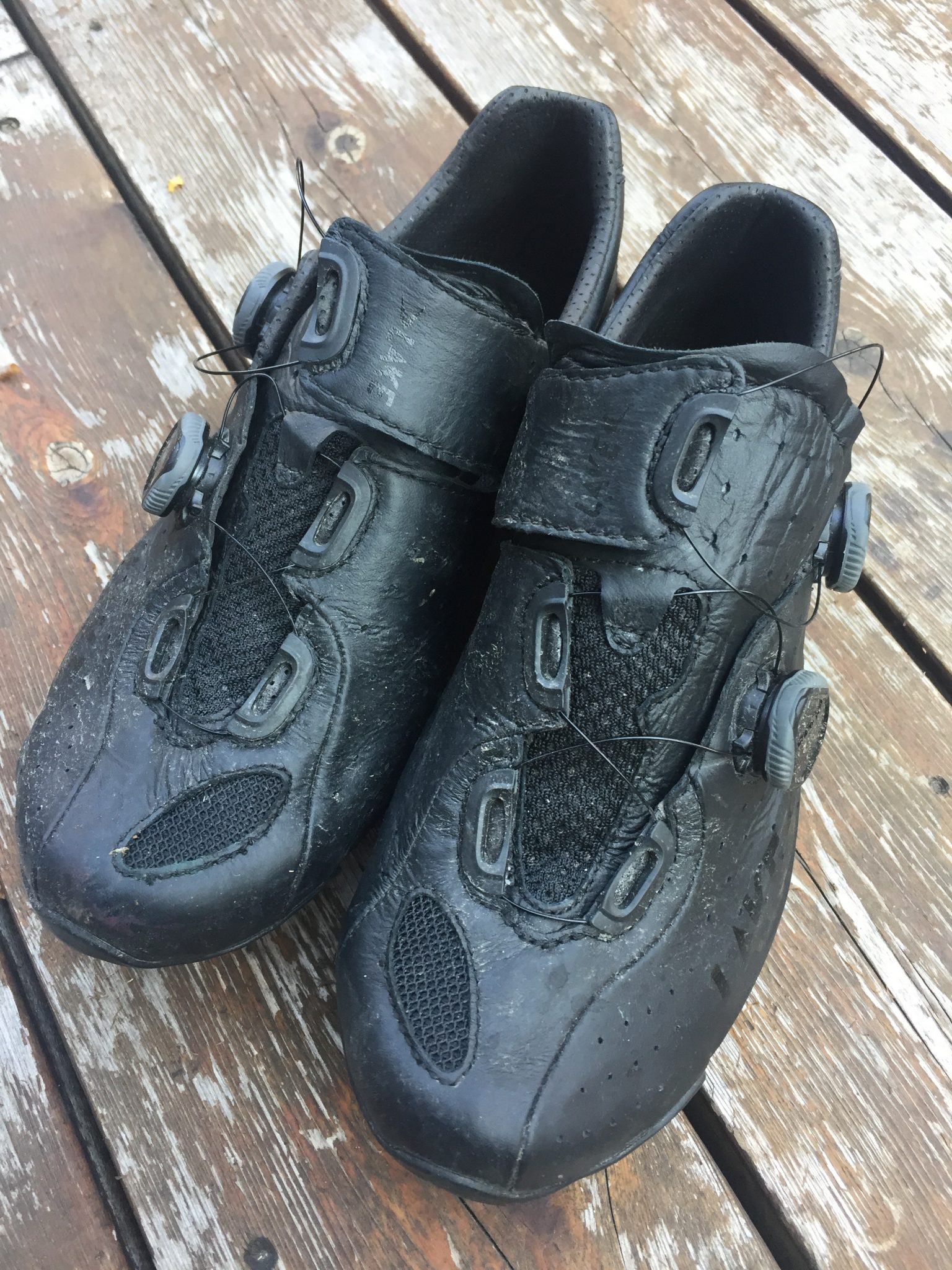 Road cycling shoes for wide feet: what