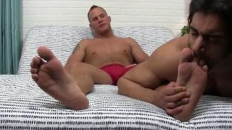gay sucking toes