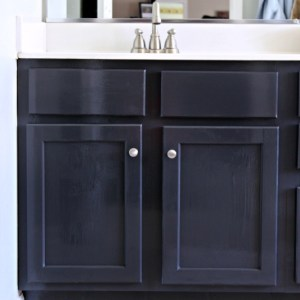 Painted Bath Vanity: Fab Furniture Flippin' Contest