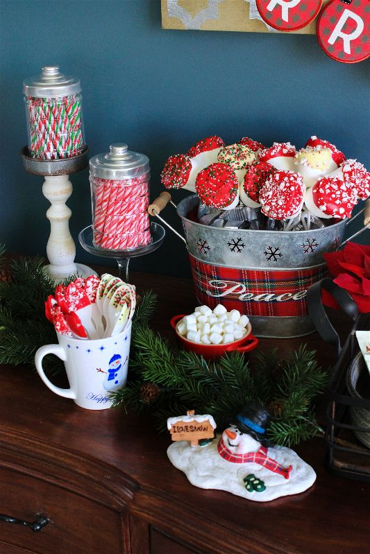 With a Hot Cocoa Bar THIS hot, no wonder the snowmen are melting! #12DaysofChristmas