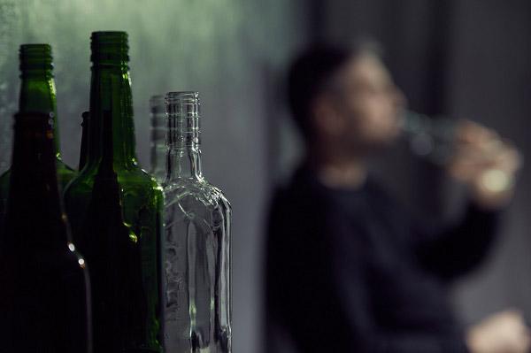 Lee más sobre el artículo La relación entre alcohol y depresión