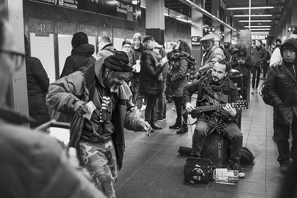 Student photojournalists document 'city that never sleeps'