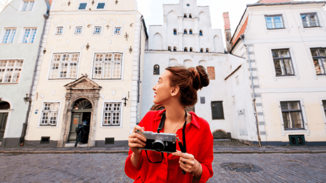 5 Travel Hacks To Live (And Speak!) Like A Local While On Holiday