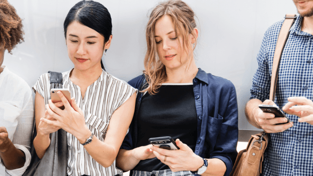 How To Text Like A Millennial In 7 Other Languages