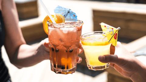 Vrai ou faux : est-on vraiment meilleurs en langues… sous l'effet de l'alcool ?