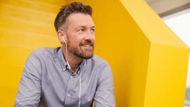 Kto słucha, uczy się szybciej: podcasty do nauki angielskiego