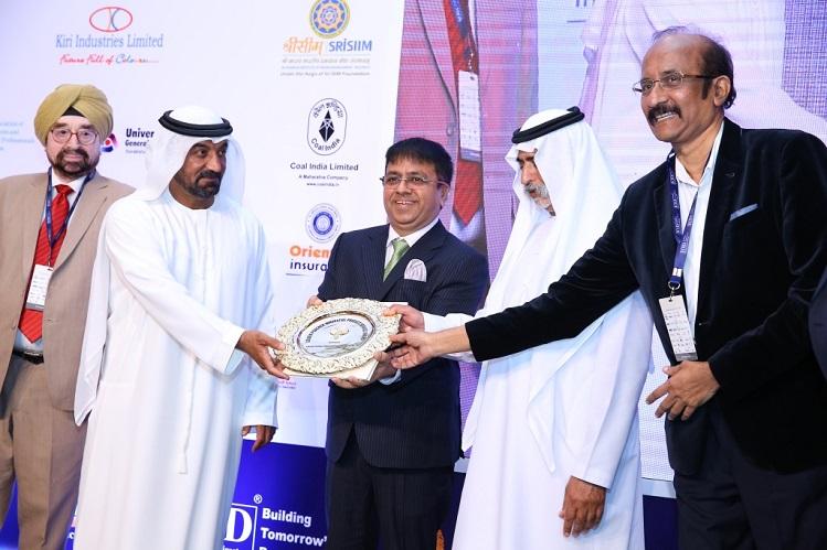 <b>Mr Atul Temurnikar - Chairman Global Schools Foundation and Mr. B.G. Shenoy receiving the Golden Peacock Award from Highness Sheikh Nahyan bin Mubarak Al Nahyan in presence of Gen. Ahluwalia</b>