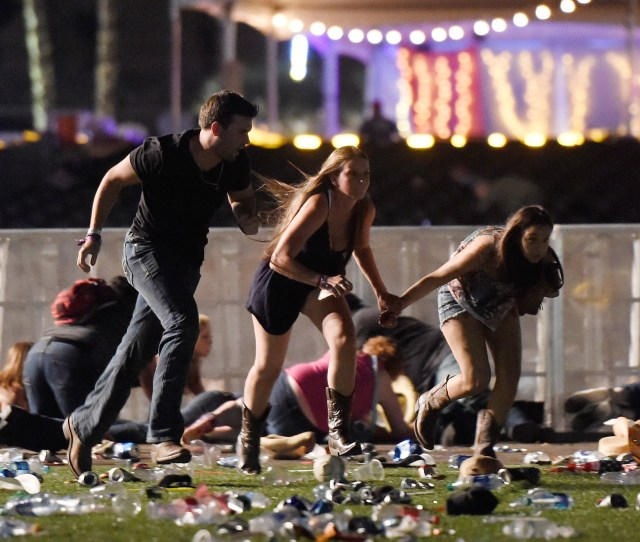 Timeline Of How The Las Vegas Shooting Unfolded Gunman Stephen Paddock Killed  People And Injured More Than