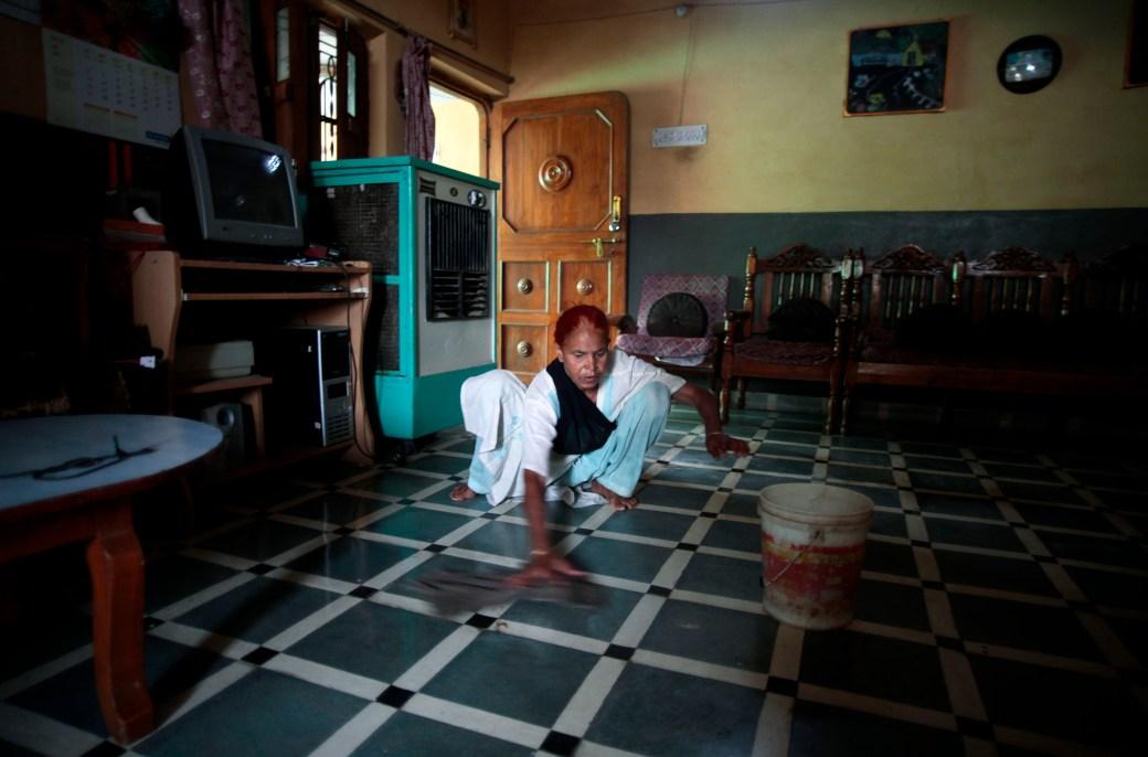 Inside story of Bavdhan-Pune maid Geeta Kale's visiting card ...