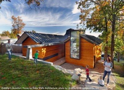 Outdoor Modern House With Family Cedar Siding