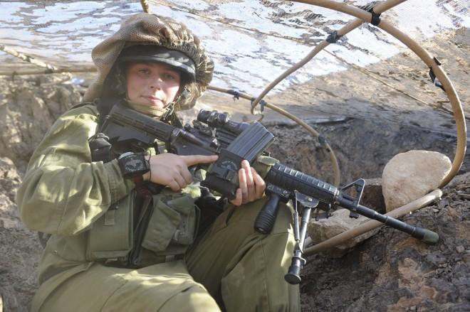 Female-IDF-SOFREP