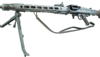 Nazi Wunderwaffe: the MG42 and the Sturmgeweher
