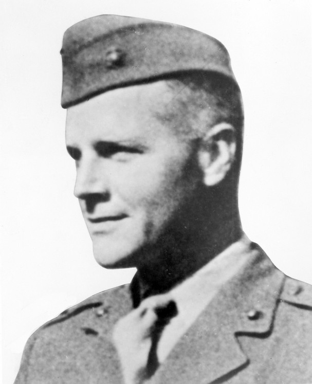 Lt. Sandy Bonneyman, MOH recipient, missing 1943