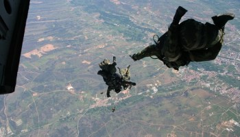 Greek Special Operations Forces (SOF): Special Paratroopers Section
