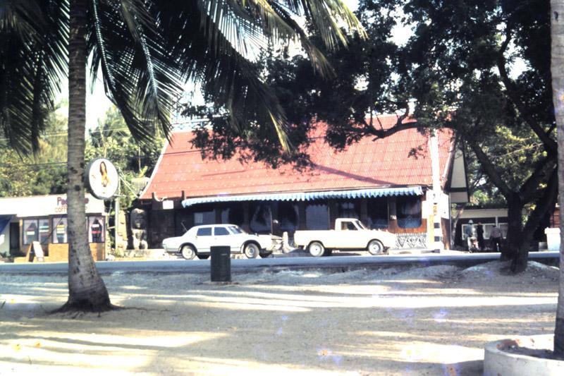 Pattaya-TAHITIAN-QUEEN-sf-bars-sofrep