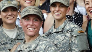 Pentagon Announces All Combat Roles Opened to Women