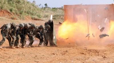 Marine Corps combat engineers show you how to breach a door
