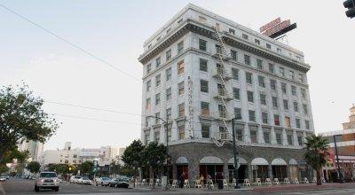 Historic San Diego hotel houses homeless vets