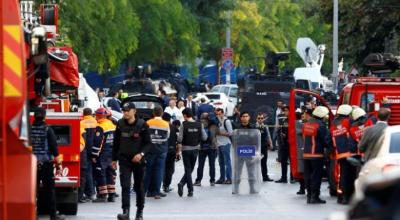 'Motorbike' bombing near Istanbul police station, at least 10 wounded
