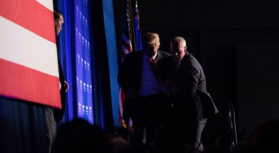 Watch: Trump gets rushed offstage by Secret Service during rally in Nevada