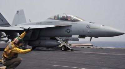 Ask a fighter pilot: Hornet vs Super Hornet?