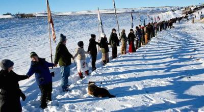 Pipeline spills 176,000 gallons of crude into creek about 150 miles from Dakota Access protest camp