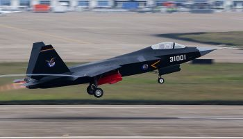 China Answers the F-35. The FC-31 Gyrfalcon Stealth Fighter Takes Flight!