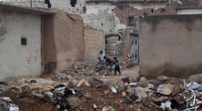 Syrian warplanes strike near Damascus during fragile truce