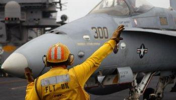Ask A Fighter Pilot: Hand Signals On The Flight Deck!