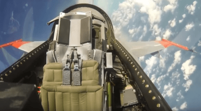 Must Watch! F-16 Fighting Falcon flying solo. Yes, We Mean Solo!