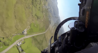 Flying the 'Mach Loop'at Low Level! Must Watch if You Like it Low & Fast!