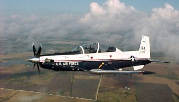 Watch: Air Force Student Pilot Training T-6A Texan II touch & go landings