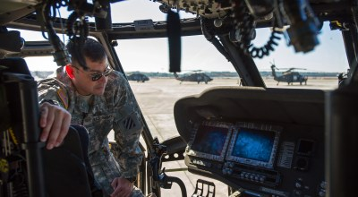 Black Hawk Pilots Wanted! Army Falling Short On Training New H-60 Helicopter Pilots