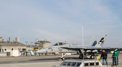 End of the Steam Cat! USS Ford Launching F-18 Hornets with Electromagnetic Catapult!