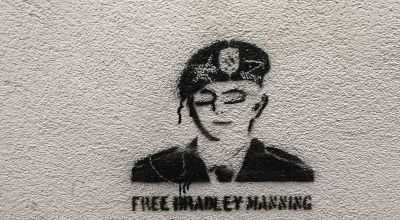 Canada recognizes Chelsea Manning as a traitor, won't let her into the country