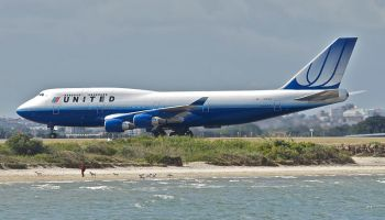 United_Airlines_Boeing_747-400