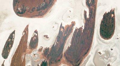 Lake Hazlett and Lake Willis in Western Australia's Great Sandy Desert from space