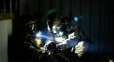 SOF Pic of the Day: Applying a tourniquet