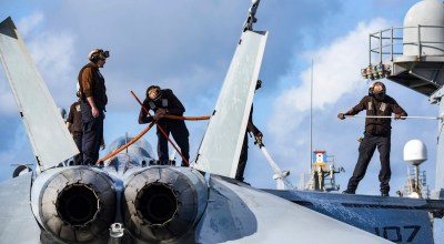 Picture of the Day: F/A-18F Super Hornet Getting Cleaned Up