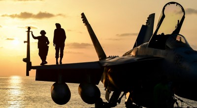 Picture of the Day: Just Hanging Out at Sea on an F/A-18E Super Hornet