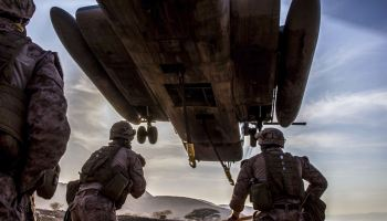 SOFREP Pic of the Day: Marines put the Super Stallion to work