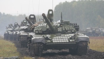 Russia and China team up for massive 300,000 troop war games