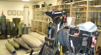 Loadout Room Photo of the day   USMC EOD likes their libraries to be quiet