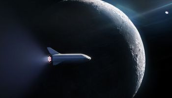 SpaceX just sold its first ticket for a flight around the moon